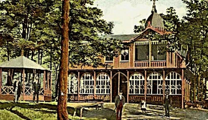 """Ett """"colorerat"""" vykort på stadens stolthet Restaurangen i Boulogner med liten musikpaviljong i slutet av 1880-talet."""