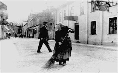 En ögonblicksbild från vardagen 1905. (Skövde Stadsmuseum)