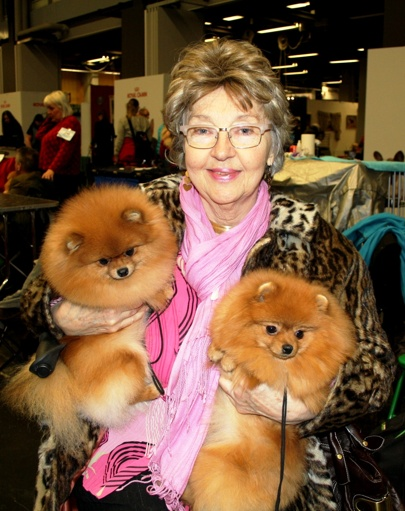 Keeper and Casey with the legendary Pomeranianbreeder Gunilla Edgren at Kennel Tom Puss (My Dog)