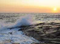 Vackra solnedgångar och dramatiska naturkrafter.