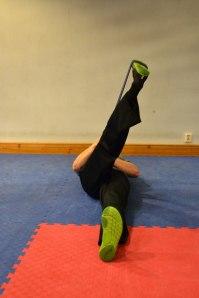 1:a läget i stretchen, håll 15 sekunder