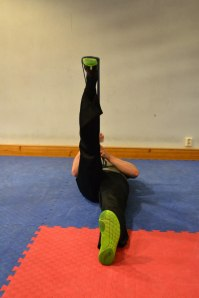 2:a läget i stretchen, håll 15 sekunder
