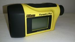 Nikon Forestry Pro  höjd samt längdmätare. Klicka på bilden för vidare länkning. Gå in på mätning/taxering-Höjd/Lutningsmätare. Se aktuella priser samt mer detaljrik produktinformation.