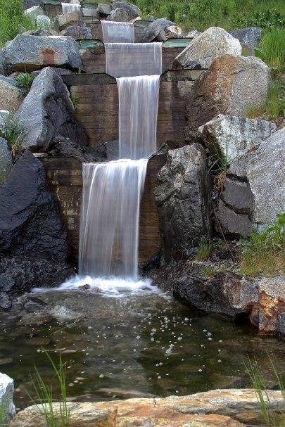 Lillsjötoppens vattenfall i Kungsängen