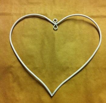Hjärta vit metall 10 cm -