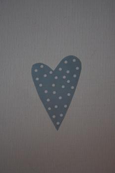 Klistermärke hjärta ljusblå med vita prickar -