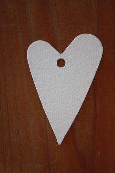 Hjärta i återvunnet papper, vit -