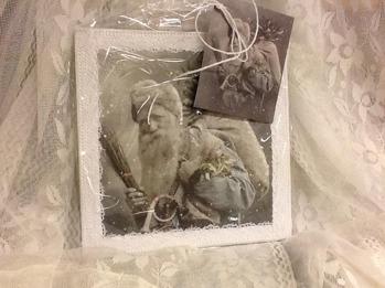 Jultavla, 20x20 cm, packad i cellofan med etikett. -