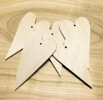 Nr 10 Trähjärtan 5-pack 4x7 cm 3 mm med hål -