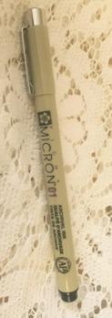 Micron svart 01, svart penna -