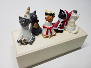 Sött luciatåg med katter -