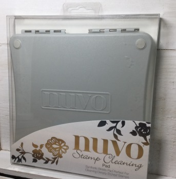 Tonic Studios Nuvo Stamp Cleaning Pad -