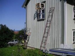 Gavel och väggar skrapas och målas