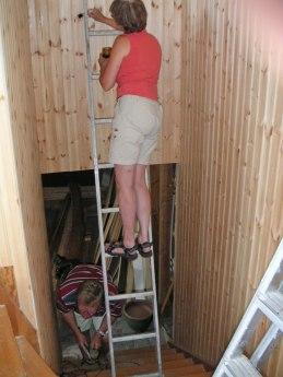 Trapputgången målas