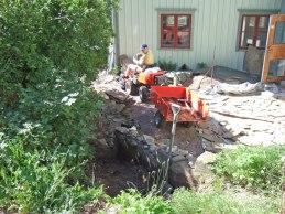 Omläggning av uteplatsen (juli 2007).