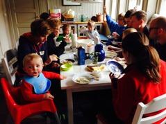 I helgen 19-20 oktober var det dags för höstens arbetshelg med hela stor-familjen samlad. God mat hör till arbetsuppgifterna.