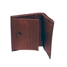 Klassisk börs av naturgarvat renskinn med 8 stycken kortfack, körkortsficka, myntficka med dragkedja samt sedelficka.  Storlek 9,5x11,5 cm. Finns i naturbrunt och i svart.