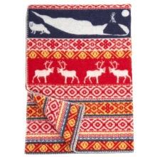 Varm och vacker ullfilt med fjällinspirerat motiv som går i vitt, rött, gult och blått. 130 x 180 cm. 100% ekologisk lammull.